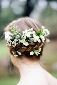 recogido con flores trenzado