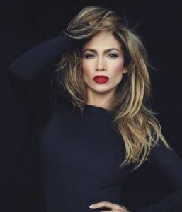Jennifer Lopez con Mechas Tiger eye