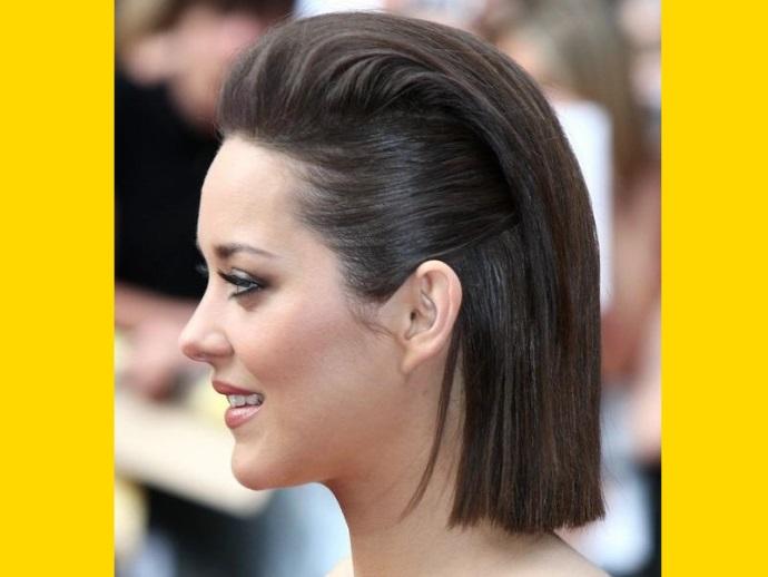 Peinados de cabello lacio para mujeres