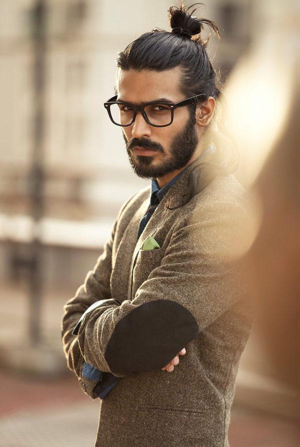 peinados hombre pelo largo hipster coleta