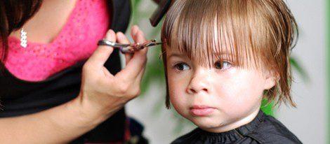 cortar el flequillo de niñas paso a paso