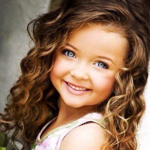 cortes de pelo para niñas con pelo rizado