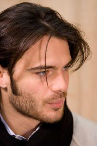 cortes de pelo patillas por debajo de las orejas