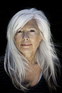 cortes de pelo largo mujer de 60 años