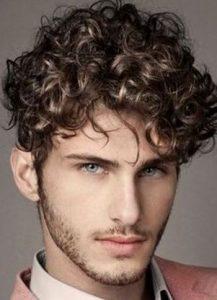 Quiero tener el cabello rizado hombre