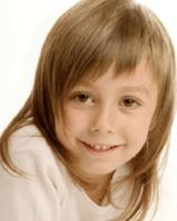 flequillo desfilado niña pelo largo